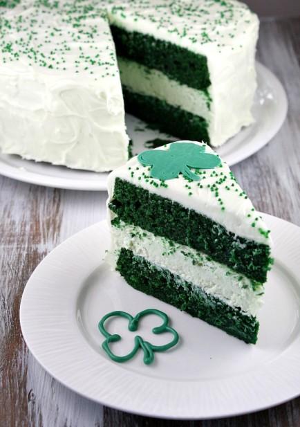 Green-Velvet-Cheesecake-Cake